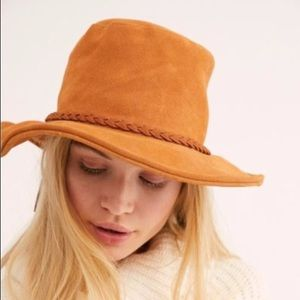 NWOT Free People Tennessee Suede Hat Tan
